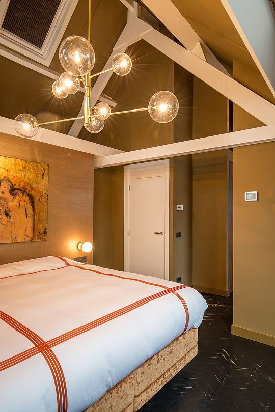 4bcovered-master-bedroom.jpg